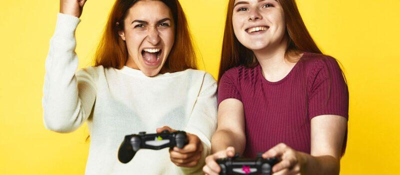 Video oyunu üretiminde sanatçıların yaptığı çalışmalar - fotoğraf © freepik